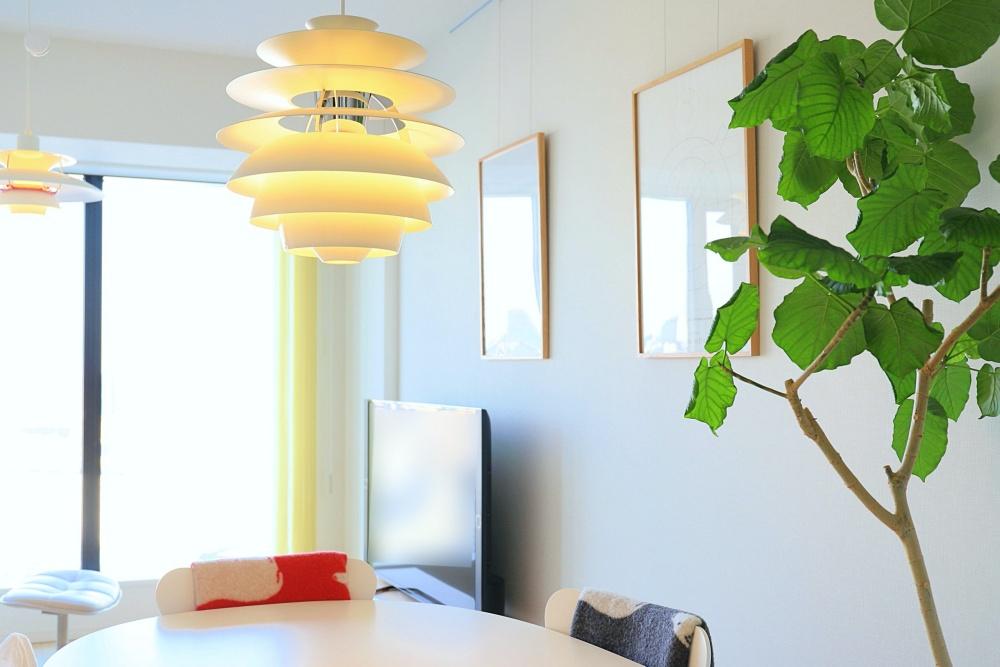 散らかるリビングを片付いた部屋にする6つの方法