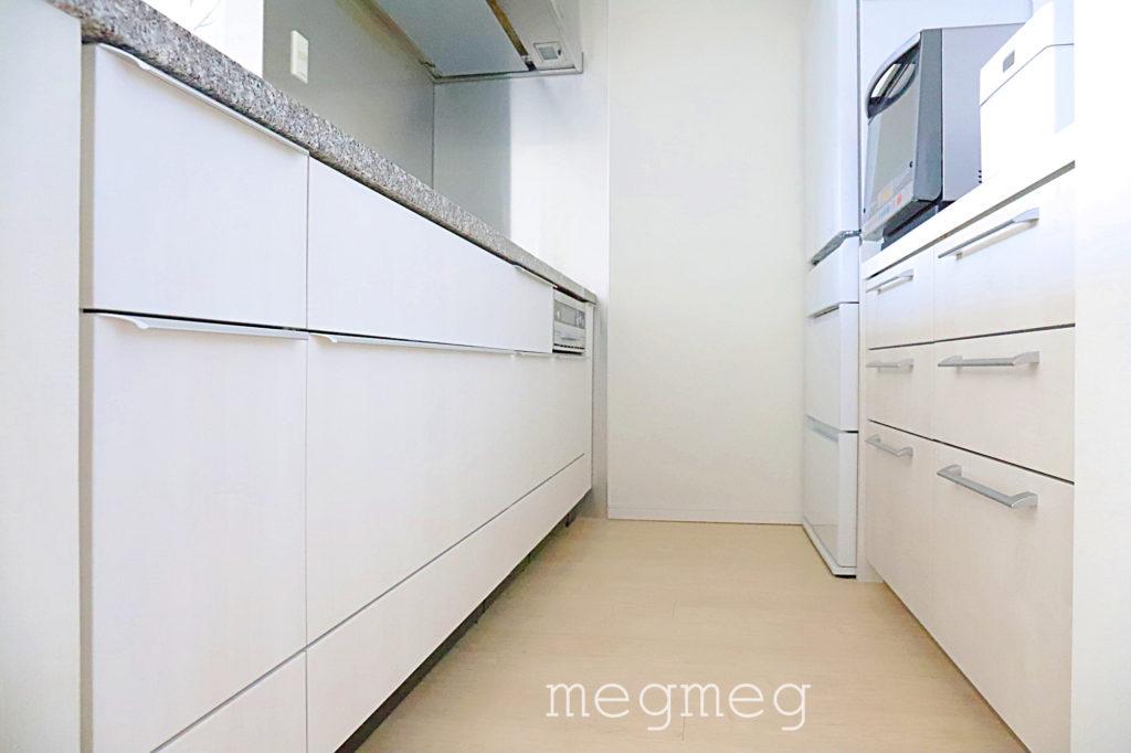 キッチンに置く物をシンプルにする
