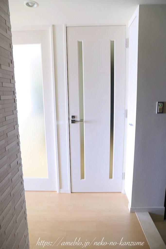 廊下のドアアフター