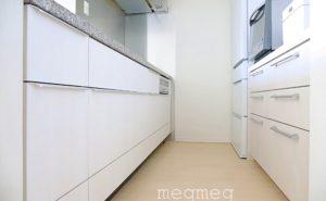 【リメイクシートでDIY】キッチンの色を変える
